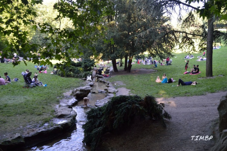 Buttes_Chaumont_cascadeenfants