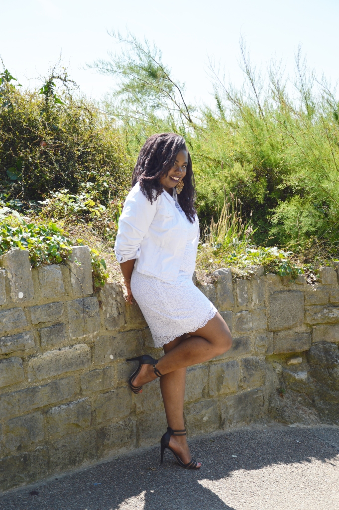 BeingMissflo-White-dress-french-curves-challenge-aug15 (4)