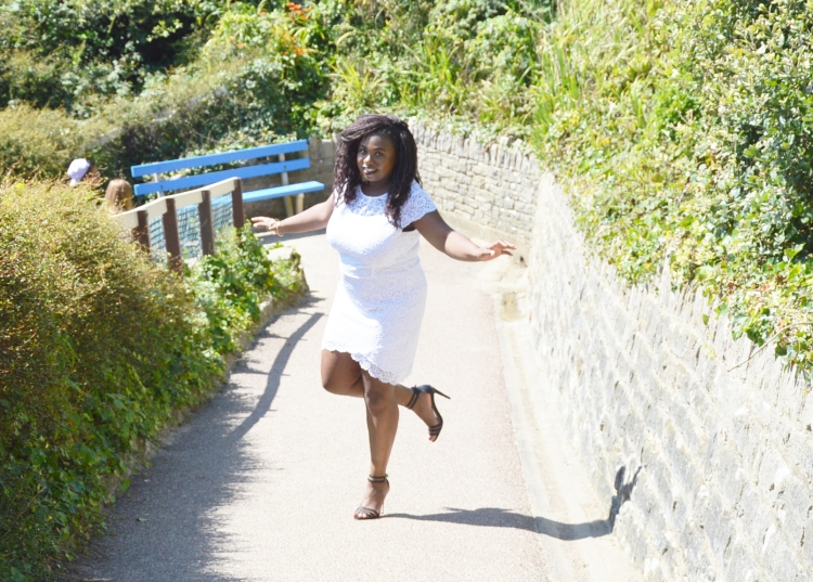 BeingMissflo-White-dress-french-curves-challenge-aug15 (5)