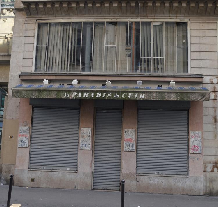 being-missflo-un-jour-un-metro-rue-du-paradis (1)