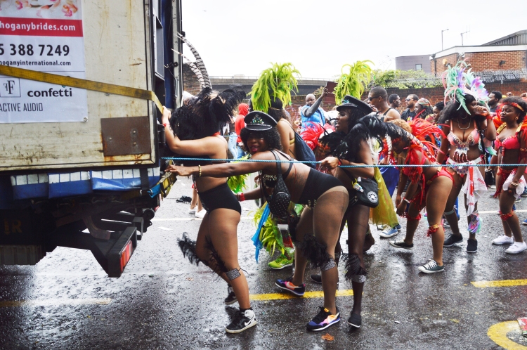 BeingMissflo-NothingHill-Carnival-2015-Monday-adult-parade (15) copy