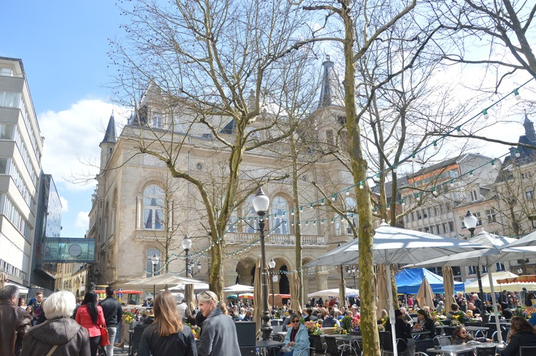Weekend-au-Luxembourg-Place-des-armes-BeingMissflo (9)