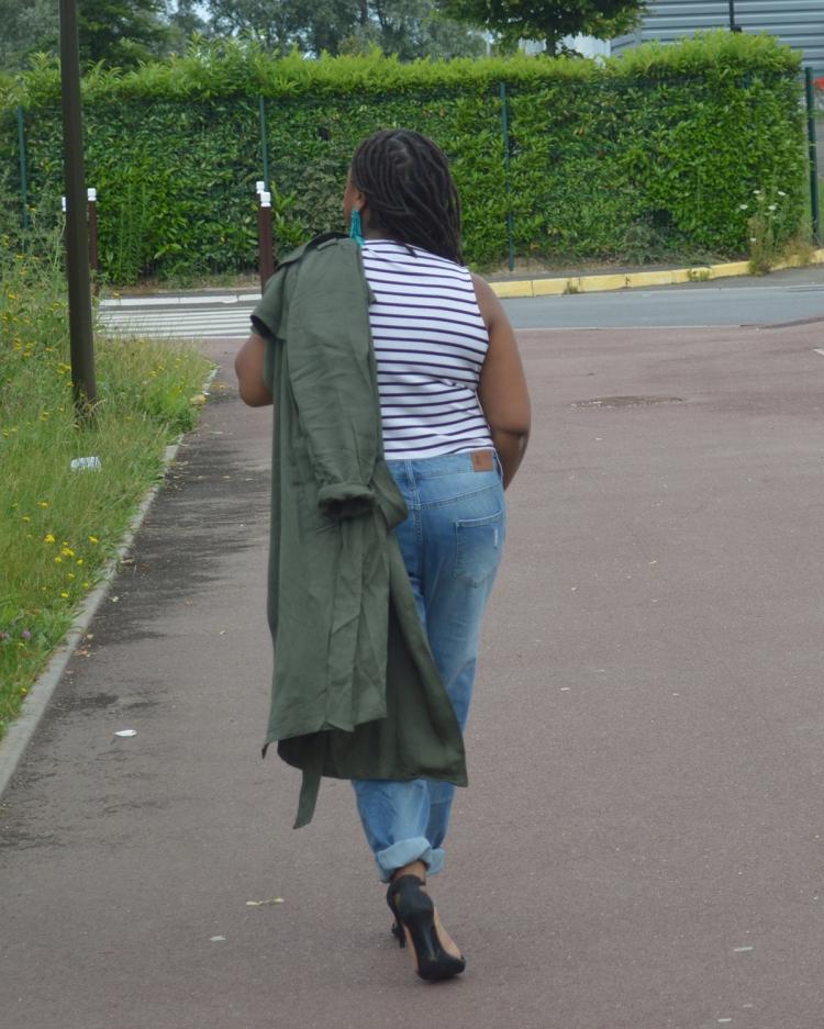 BeingMissflo-trenchcoat-and-girlfriend-jeans (16)