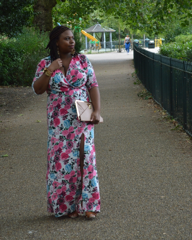 French-curves-challenge-maxi-dress-Aug16-credits-photos- Being-Missflo (9)